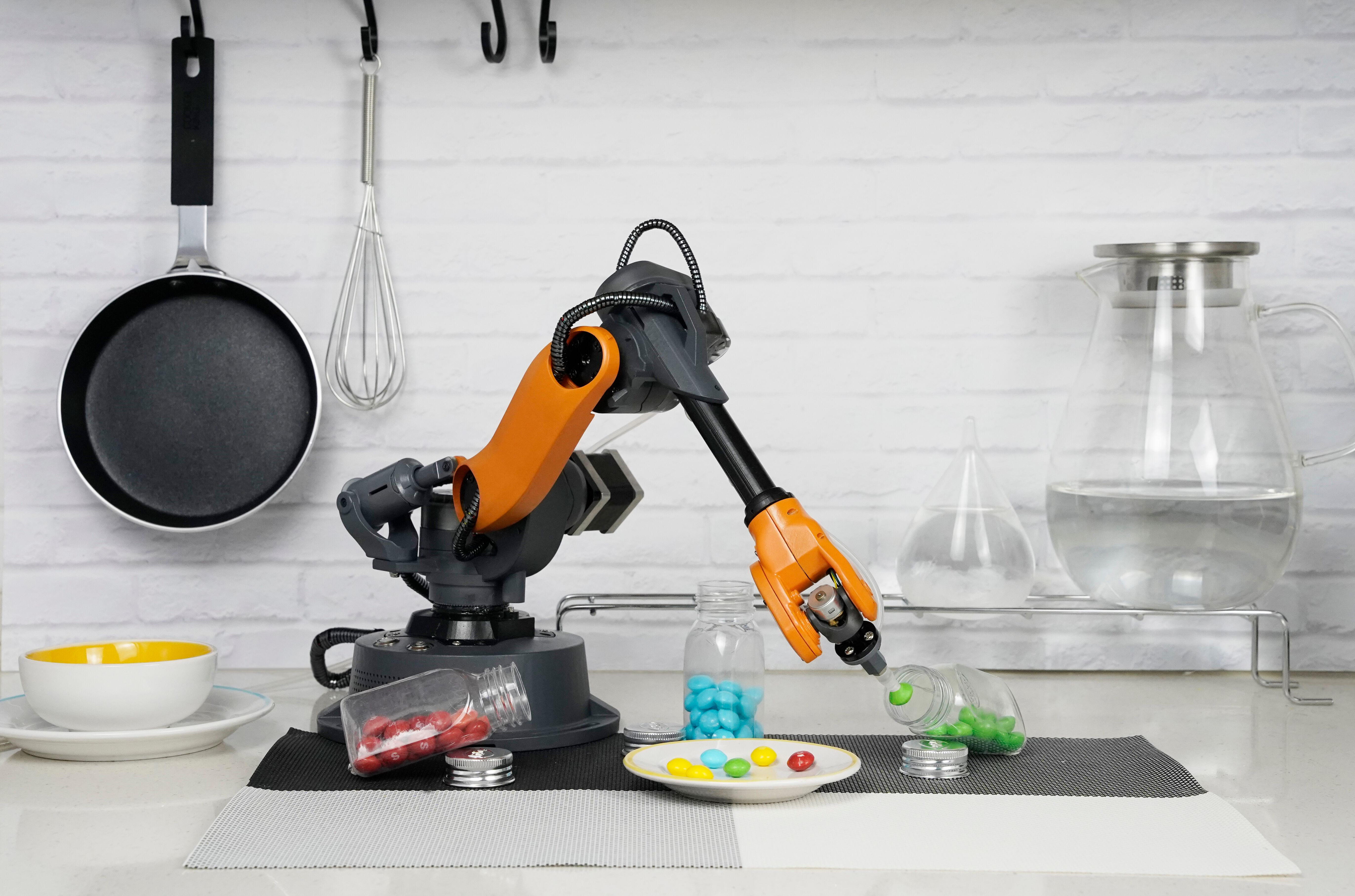 The Mirobot Brings Opportunity to Robot Arms - DZone IoT